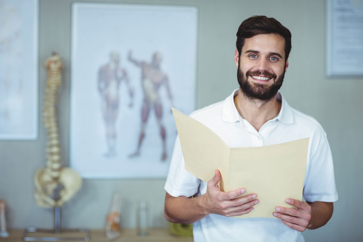 Osteopath mit eigener Praxis